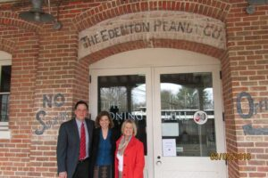 From left, Reid Rhomas, NC Dept of Cultural Resources; Anne Marie Knighton, Edenton Town Manager; and Claudia Deviney.